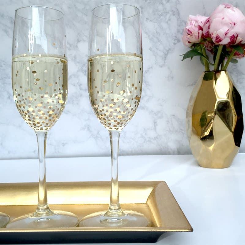 DIY-Gold-Speckled-Champagne-Flutes