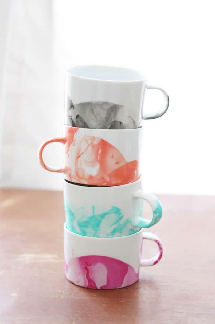 DIY-Nail-Polish-Marble-Mugs